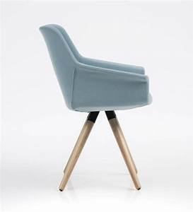 Bequeme Stühle Mit Armlehnen : eleganter stuhl holzsockel f r b ros und restaurants idfdesign ~ Markanthonyermac.com Haus und Dekorationen
