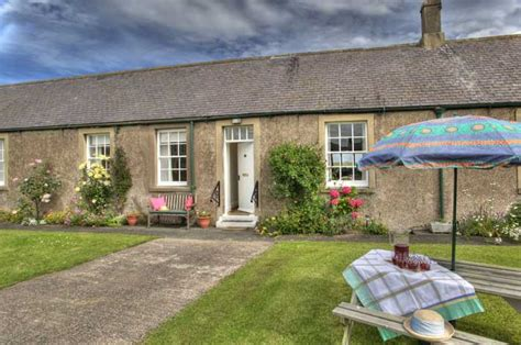 cottages for rent in northumberland with tub cottages to rent bamburgh northumberland coast