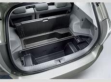 Toyota Prius Alpha Désormais en vente au Japon vidéo