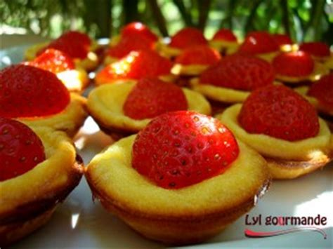 que faire avec une pate sablee toute prete mini tartelettes mascarpone et fraises lylgourmande