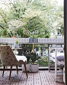 Balkongestaltung Kleiner Balkon : wundersch ne balkongestaltung ideen mit pflanzen ~ Frokenaadalensverden.com Haus und Dekorationen