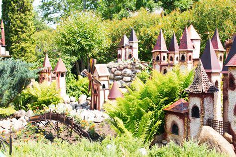 Miniatūrā karaļvalsts un leļļu galerija - Latgales tūrisma ...
