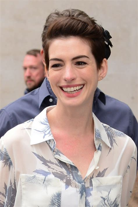 If you don't have a gradual hand however, there are many nail stickers, stamps, or head on to your neighborhood nail salon so they can replicate it for yourself! Hairstyle Ideas: How Anne Hathaway's Growing Out Her Pixie ...