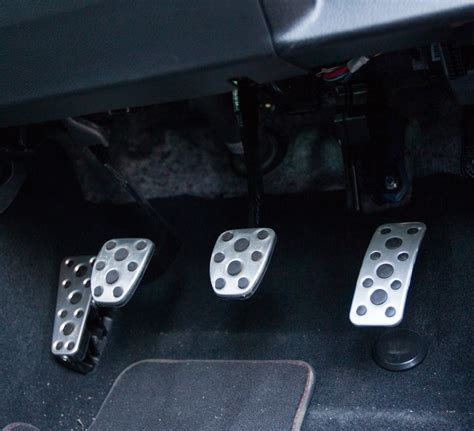 sports car purity  rear drive manual transmission