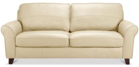 avec quoi nettoyer un canap en cuir comment nettoyer le cuir blanc d un canapé table de lit