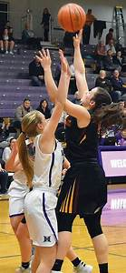 TD girls show heart in close loss | The Dalles Chronicle