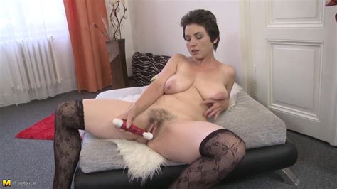 Amateur Mature Mom With Hairy Cunt And Saggy Tits Free