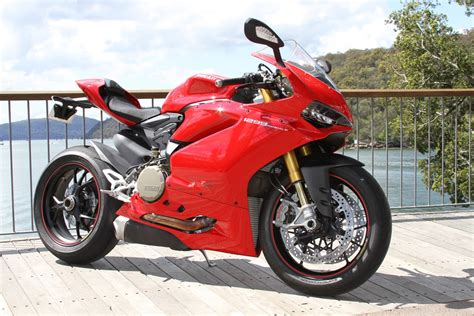 Review Ducati Panigale by Review 2015 Ducati Panigale 1299 S Bike Review