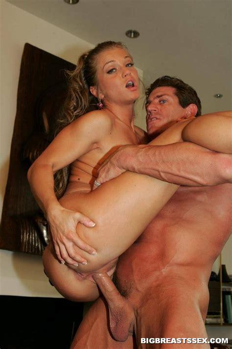 Rita Faltoyano Loves Big Dick 2063 Page 3
