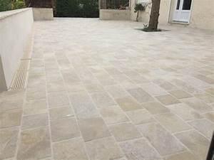 Carrelage Extérieur Terrasse : terrasse carrelage pave ~ Voncanada.com Idées de Décoration