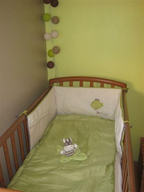 chambre vert anis chambre bébé vert anis et taupe photo de décoration