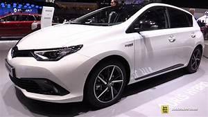 Essai Toyota Auris Hybride 2017 : 2017 toyota auris hybrid exterior and interior walkaround 2017 geneva motor show youtube ~ Gottalentnigeria.com Avis de Voitures