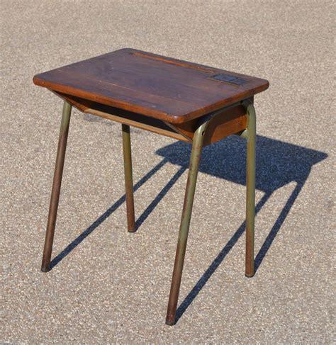 petit bureau ecolier mobilier vintage pour enfants chaises tables coffres à