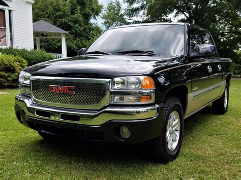 optioned  gmc sierra  slt crew cab  sale