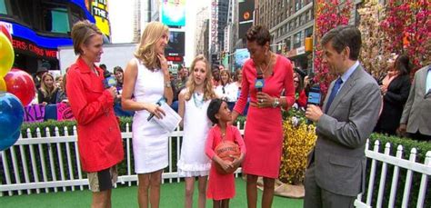 Robin Roberts, Lara Spencer See Double With Kid Versions ...
