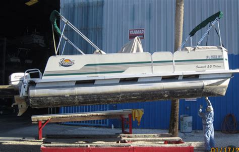 Bluewater Boat Paint by Fiberglass Boat Bottom Painting Bottom Paint Service