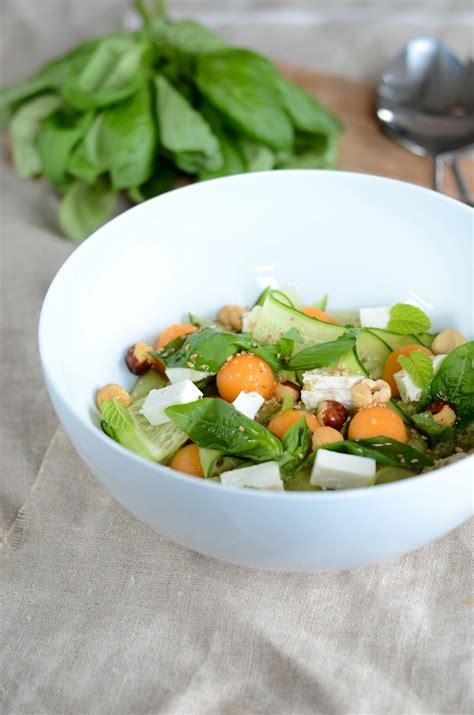 cuisine concombre salade de concombre feta melon et noisettes blogs de