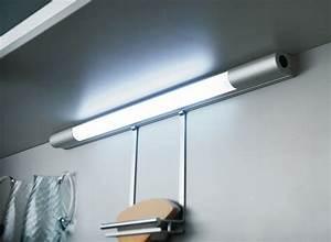 Luminaire Sous Meuble Cuisine : boston fluorescent under cabinet luminaire with switch de ~ Teatrodelosmanantiales.com Idées de Décoration
