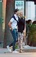 莎拉波娃与男友漫步街头 手挽手加摸脸蛋(组图) 体育新闻 烟台新闻网 胶东在线 国家批准的重点新闻网站