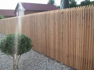 Welches Holz Für Gartenzaun : gartenzaun wpc anthrazit kunstrasen garten ~ Lizthompson.info Haus und Dekorationen