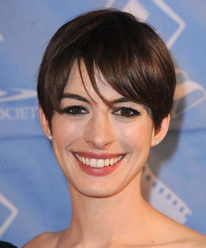 Hottest very short haircut for women: Anne Hathaway Hairstyles That Can Be Easily Replicated