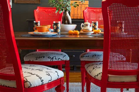 DIY Ideas: Spray Paint and Reupholster Your Dining Room