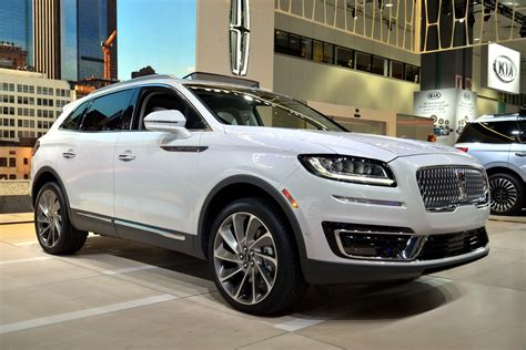 Lincoln Brings Back Names With 2019 Nautilus, A