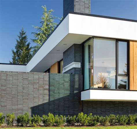 Contemporary Architecture Integrated With Sustainable