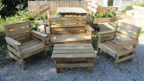 diy outdoor pallet furniture plans 5 diy outdoor pallet furniture projects pallets designs 47242