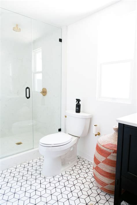 Jaclyn Johnson's Small Diamond Bathroom Floor   Fireclay Tile