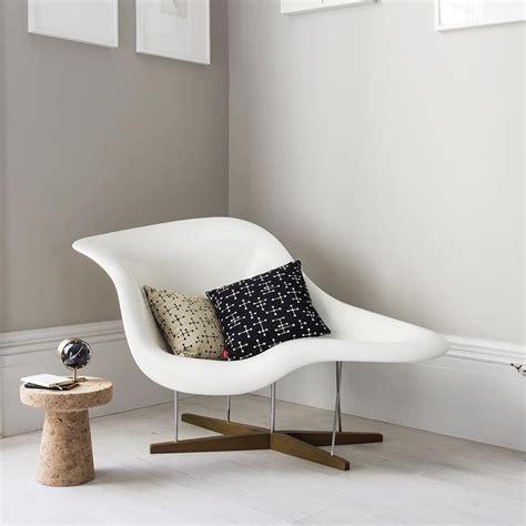 la chaise eames occasion buy vitra eames la chaise white shell amara