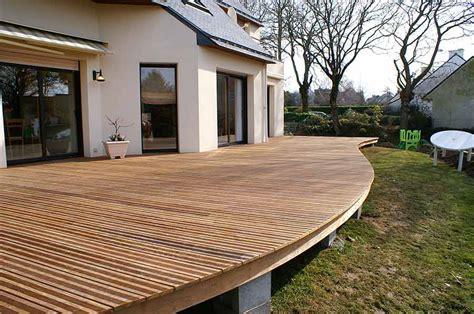 vannes grande  belle terrasse en bois maison de bois