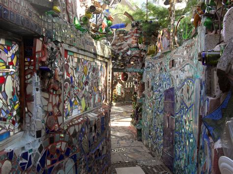 philadelphia s magic gardens philly magic gardens 224