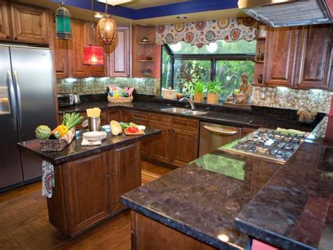 genevieve gorder kitchen designs genevieve s design tips dueling kitchens hgtv 3746