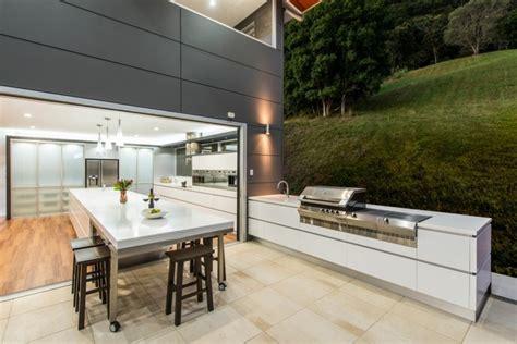 contemporary outdoor kitchens id 233 es am 233 nagement cuisine ouverte sur l ext 233 rieur 2541