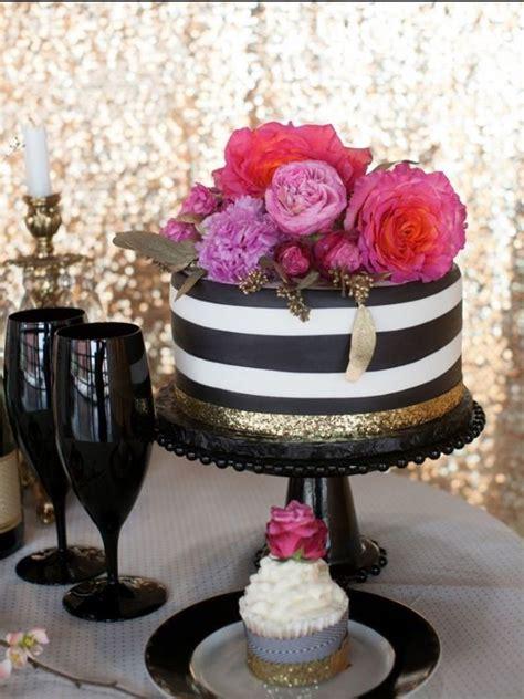 amazing black  white wedding cakes cakes