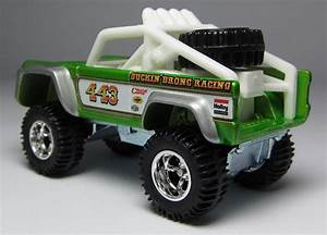 A Tale of Two: Hot Wheels Custom Ford Bronco & '67 Ford Bronco… – theLamleyGroup