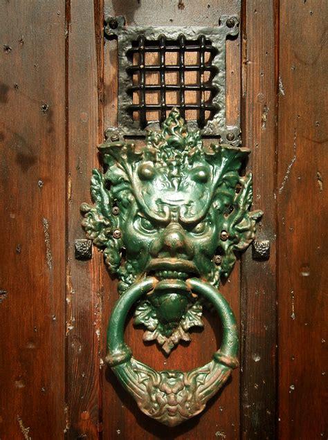 Knock! Knock! Enviable Decorative Door Knockers