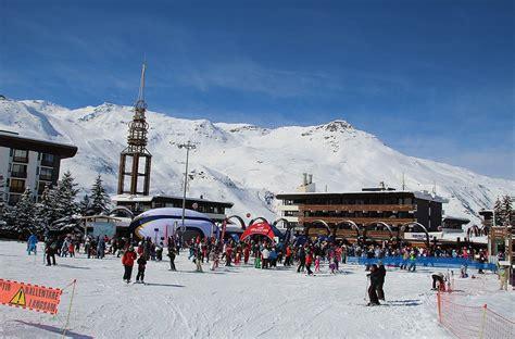 ski chalet les menuires ski chalets les menuires catered chalets alpenglow