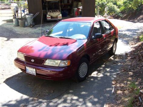 purchase  excellent condition maroon nissan sentra