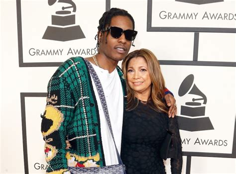 red carpet appearances   annual grammy awards hiphopdx