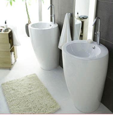 de bains totems c 233 ramiqu en c 233 ramiqu lavabo totems casto decodesign salle bains sall de