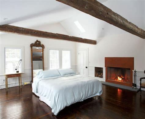 chambre avec poutre poutres en bois pour la déco de la chambre à coucher moderne