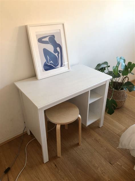 Grab the ikea expedit units and a lack shelf to build this standing desk that is looking amazingly beautiful and modern. IKEA Brusali Desk in W14 Fulham for £40.00 for sale | Shpock
