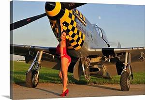 Mustang Pin Up : 1940 39 s style pin up girl posing with a p 51 mustang wall art canvas prints framed prints wall ~ Maxctalentgroup.com Avis de Voitures