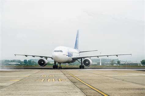 transat flights to canada 28 images air transat air transat to launch budapest flight daily