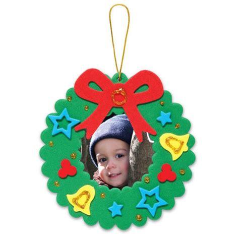 creatology holiday wreath frame foam ornament kit