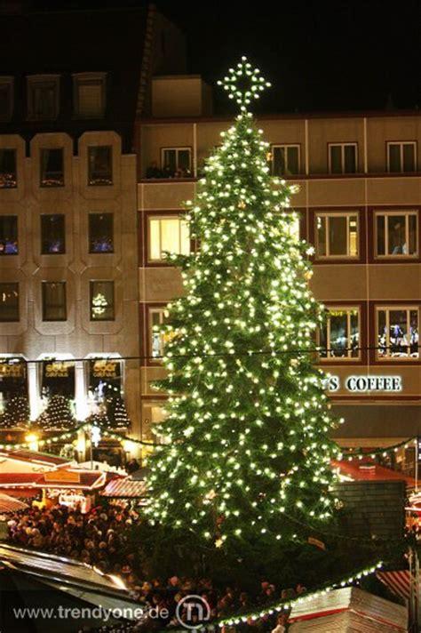 Weihnachtsbaum Mit Led Beleuchtung Weihnachtsbeleuchtung
