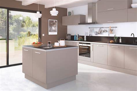 meuble cuisine couleur taupe une cuisine de couleur taupe entre élégance et sobriété