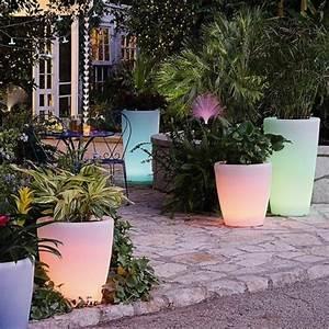 le pot lumineux en 60 images With sculpture moderne pour jardin 2 decorez votre cour avec les nains de jardin